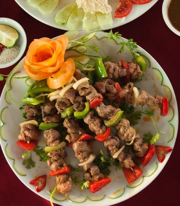thịt đà điểu nướng xiên